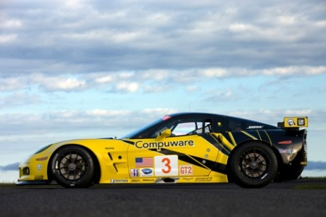 Corvette Racing GT2 Corvette side view